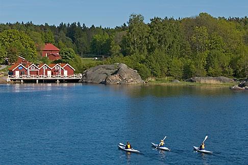 image 5-730-3703 Sweden, Grinda Island, Kayaking