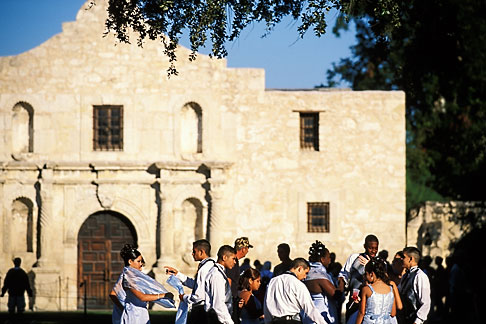 image 1-700-64 Texas, San Antonio, The Alamo