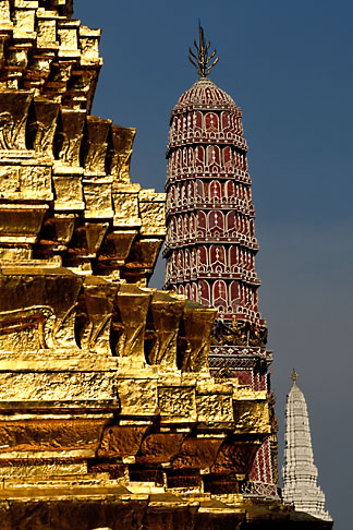 image 4-194-17 Thailand, Bangkok, Gilt pagoda at Wat Pra Keo