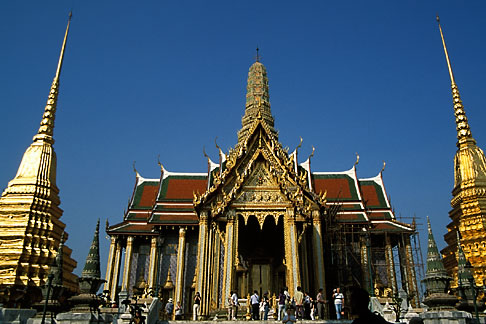 image S3-101-6 Thailand, Bangkok, The Royal Pantheon, Wat Pra Keo