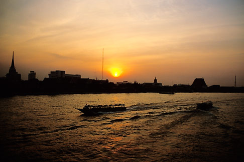 image S3-105-19 Thailand, Bangkok, Sunset over the Chao Praya