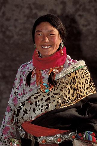 image 4-125-34 Tibet, Tibetan woman, Labrang Monastery, Xiahe