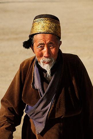 image 4-128-2 Tibet, Tibetan pilgrim, Labrang Monastery, Xiahe