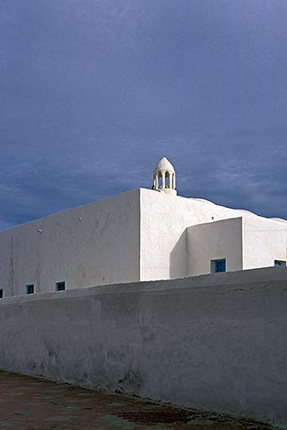image 3-1100-41 Tunisia, Djerba, Whitewashed building