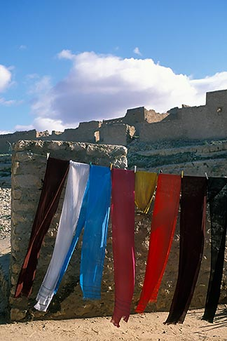image 3-1100-53 Tunisia, Clothes drying