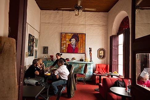 image 8-802-4333 Uruguay, Colonia del Sacramento, Restaurant interior