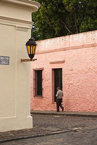 image 8-803-4914 Uruguay, Colonia del Sacramento, Street corner, Historic District