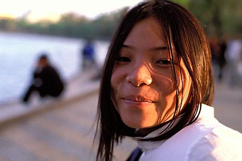 image S3-194-10 Vietnam, Hanoi, Young Lady, Hoan Kiem Lake