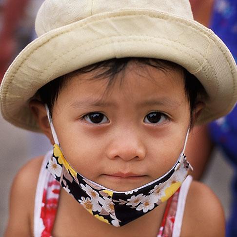 image S3-194-35 Vietnam, Hoi An, Young girl