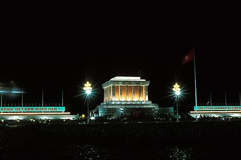 image S3-194-38 Vietnam, Hanoi, Ho Chi Minh Mausoleum
