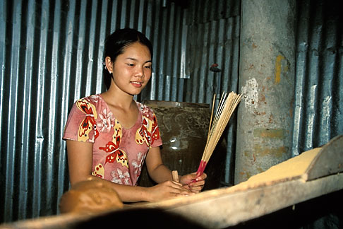 image S3-196-4 Vietnam, Mekong Delta, Making Incense