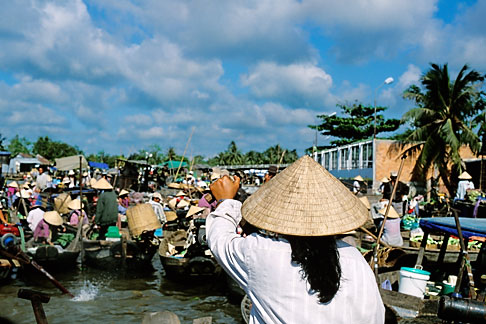 image S3-197-1 Vietnam, Mekong Delta, Floating Market