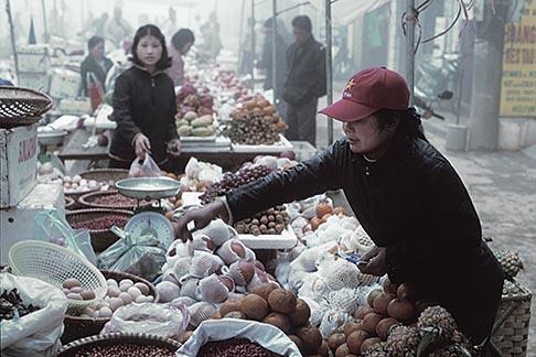 image S3-197-8 Vietnam, Sapa, Market