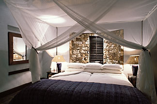 7-401-19 stock photo of Zimbabwe, Zambezi NP, Matetsi Water Lodge, room