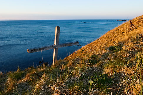 image 5-650-1439 Alaska, Kodiak, Chiniak, Memorial on coastal bluff