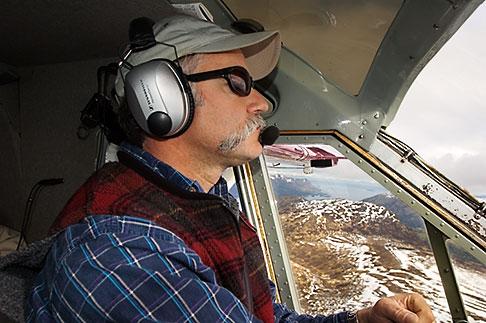 image 5-650-1576 Alaska, Kodiak, Flightseeing pilot