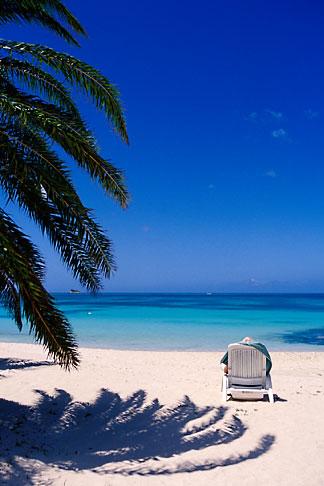 image 4-600-98 Antigua, Dickenson Bay, Beach chair
