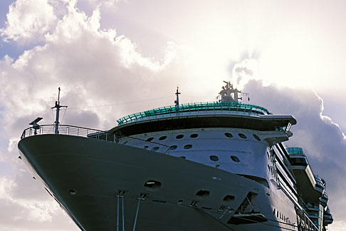 image 4-602-58 Antigua, St Johns, Cruise ship at dock