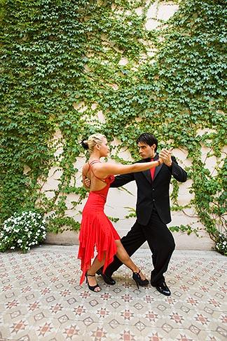 image 8-801-5573 Argentina, Buenos Aires, Tango dancers