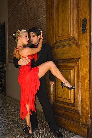 image 8-801-5628 Argentina, Buenos Aires, Tango dancers