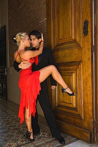 image 8-801-5629 Argentina, Buenos Aires, Tango dancers