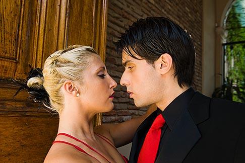 image 8-801-5655 Argentina, Buenos Aires, Tango dancers