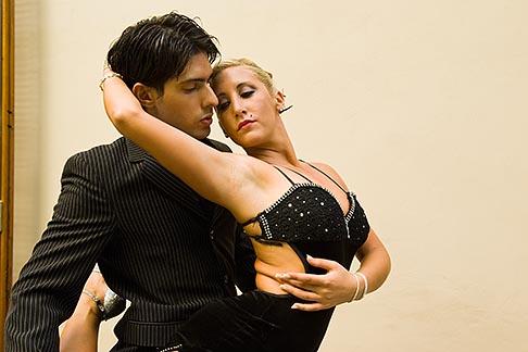 image 8-801-5766 Argentina, Buenos Aires, Tango dancers