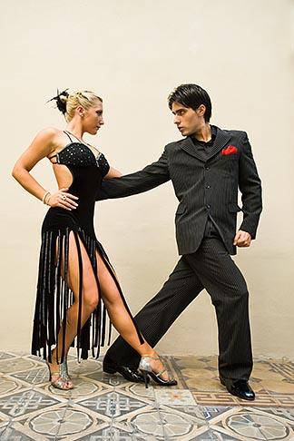 image 8-801-5843 Argentina, Buenos Aires, Tango dancers