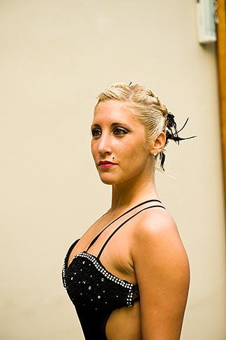 image 8-801-5945 Argentina, Buenos Aires, Tango dancer, solo portrait, young woman