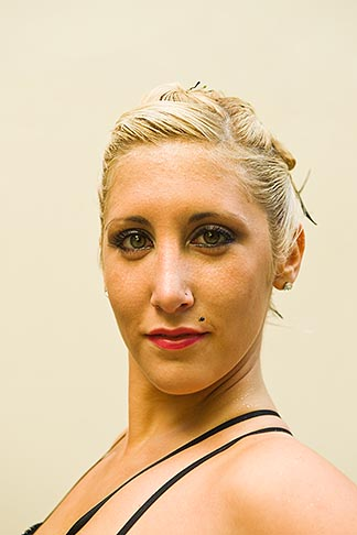 image 8-801-5963 Argentina, Buenos Aires, Tango dancer, solo portrait, young woman