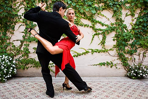 image S8-451-10583 Argentina, Buenos Aires, Tango dancers