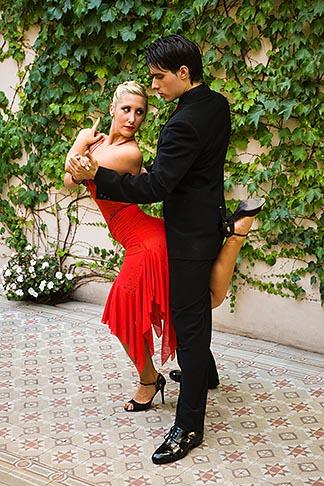 image S8-451-10607 Argentina, Buenos Aires, Tango dancers