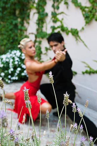 image S8-451-10625 Argentina, Buenos Aires, Tango dancers