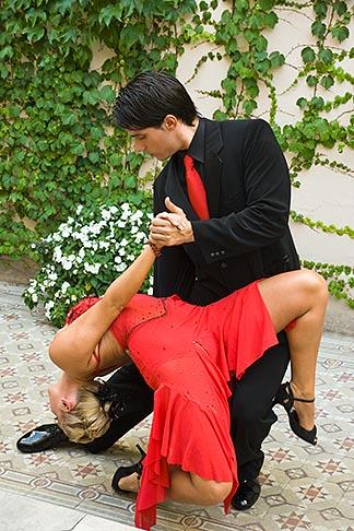 image S8-451-10708 Argentina, Buenos Aires, Tango dancers