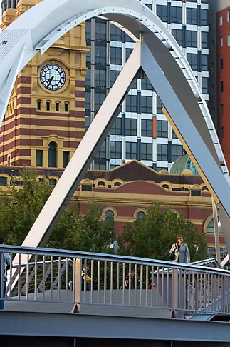 image 5-600-2180 Australia, Melbourne, Bridge