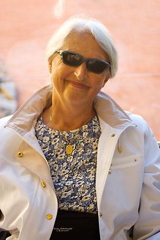 image 5-600-2659 Portrait, Woman with sunglasses