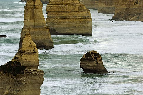 image 5-600-8916 Australia, Victoria, Twelve Apostles, Port Campbell National Park