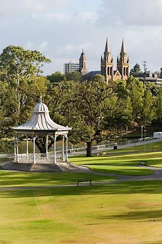 image 5-600-8988 Australia, Adelaide, Bandstand