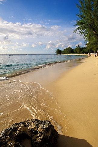 image 3-388-56 Barbados, Holetown, Coral Reef Club, beach