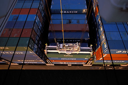 image 2-225-50 California, Oakland, Port of Oakland, Hanjin Terminal