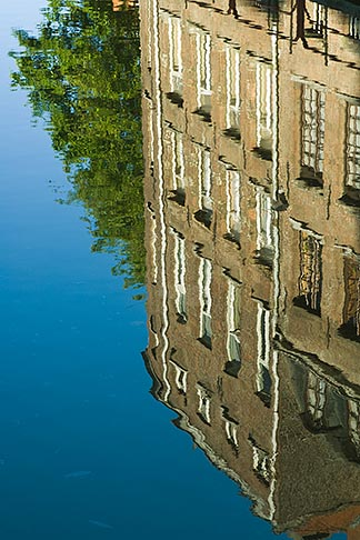 image 8-742-1672 Belgium, Ghent, Reflection in canal