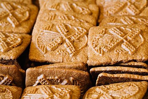image 8-746-2849 Belgium, Brussels, Speculaas biscuits