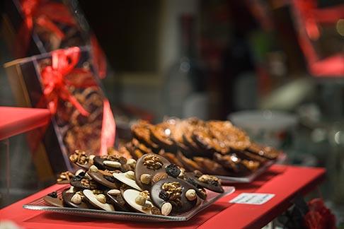 image 8-747-2929 Belgium, Brussels, Chocolate candies in shop display