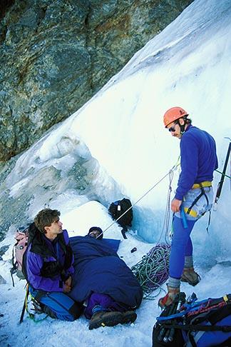 image 2-148-1 California, Sierra Nevada, John Hart in ice climbing rescue, Dana Couloir