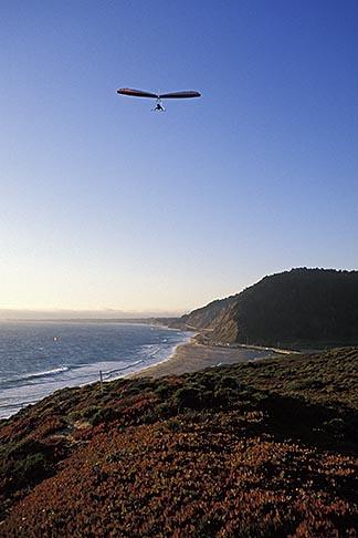 image 2-630-40 California, Santa Cruz County, Hang gliding on the coast