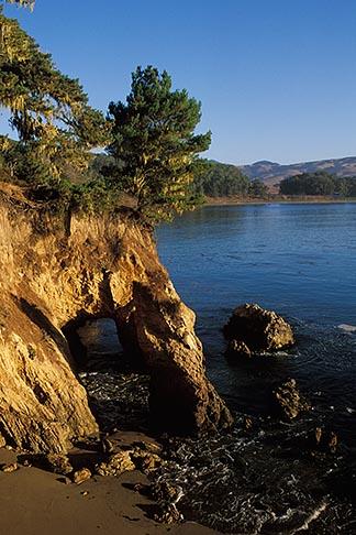 image 2-650-1 California, San Luis Obispo County, San Simeon Point
