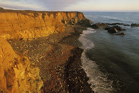 image 2-650-64 California, San Luis Obispo County, Coast south of Ragged Point