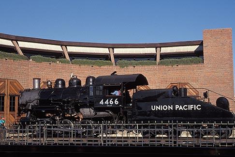 image 4-304-12 California, Sacramento, Steam engine at California State Railroad Musuem