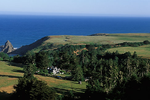image 4-797-24 California, Mendocino County, Manchester, Inn at Victorian Gardens and coastline