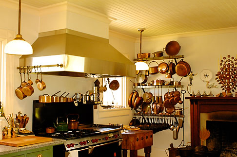 image 4-800-6 California, Mendocino County, Manchester, Inn at Victorian Gardens, kitchen